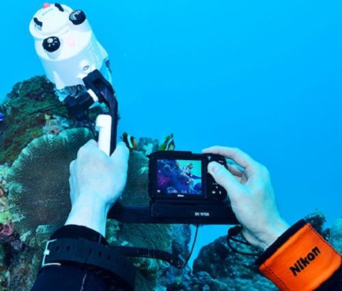 Nikon Coolpix AW 130 ใหม่